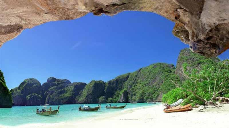 รีวิวสถานที่ท่องเที่ยว เกาะพีพี จังหวัดกระบี่